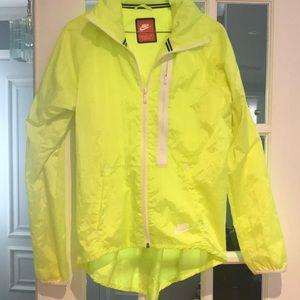Nike spring jacket size small